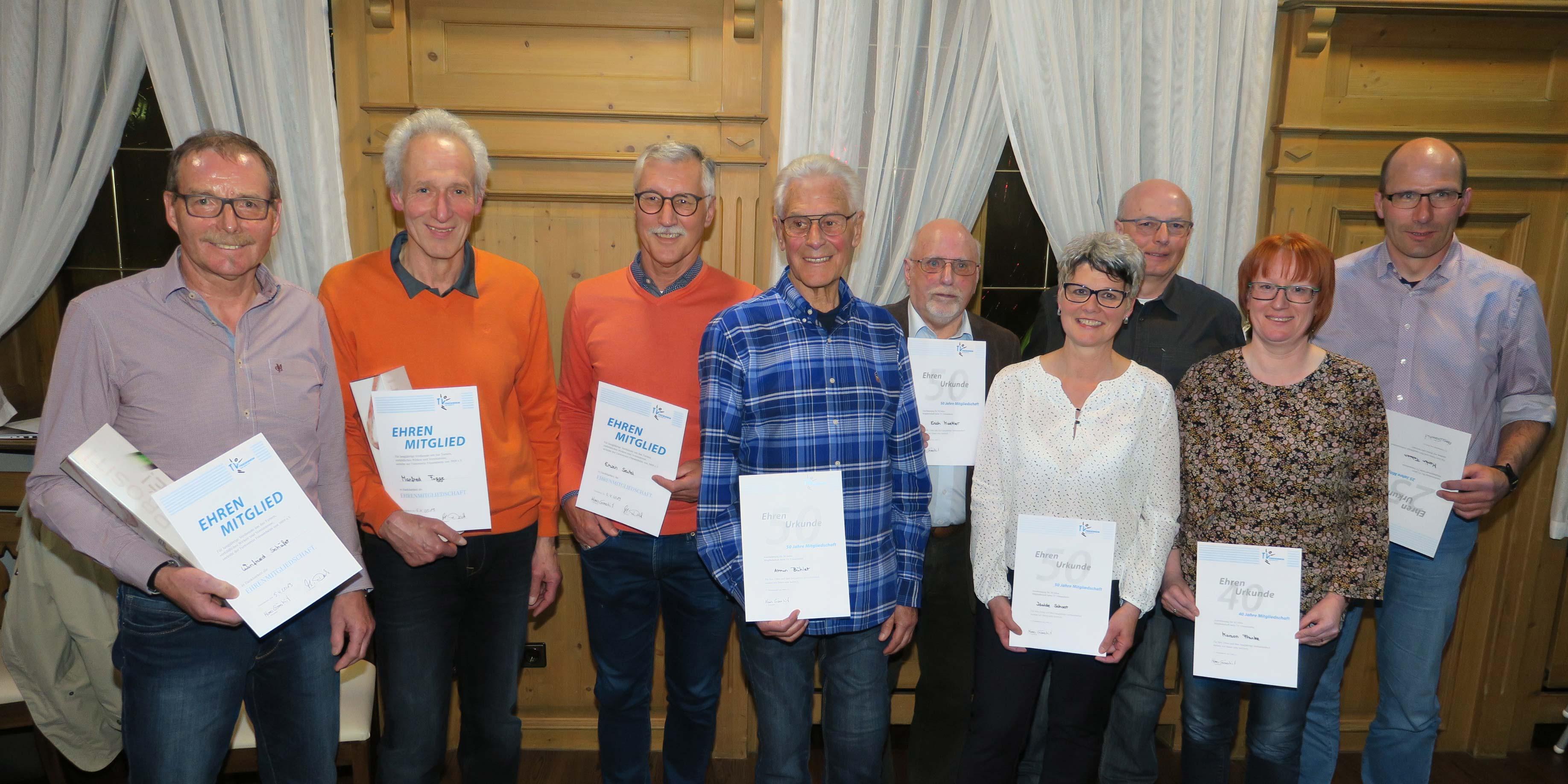Zu Ehrenmitgliedern wurden Erwin Seitel, Winfried Schäfer und Manfred Figge ernannt. Für 50 Jahre Mitgliedschaft wurden Isolde Schoor, Erich Mättler und Armin Bühler geehrt. Marion Franke und Peter Wölfle gehören dem TV seit 40 Jahren an und Fabian Martin ist seit 25 Jahren Mitglied.